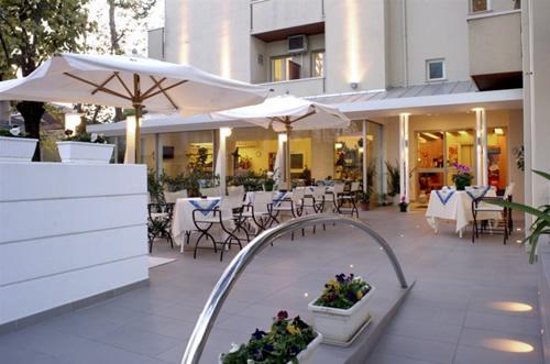 Hotel Nives - Promhotels Riccione
